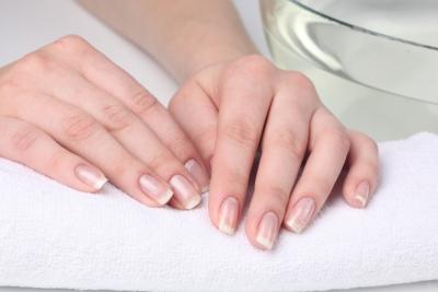 Körömápoló lábra, körmök gombásodása elleni terápia 12ml - Eveline Cosmetics Magyarország