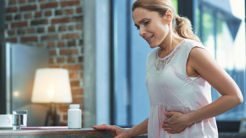 egy nő tünetei papillomavírus és hasi fájdalom
